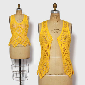 Vintage 60s Crochet Vest Top / 1960s Hippie Golden Yellow Fitted Knit Tank