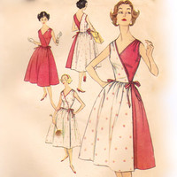 Vintage 50s Sewing Pattern - Easy Sleeveless Wrap Dress with Full Skirt, Optional Two-Tone Style - 1958 Simplicity 2466, Bust 32, Uncut