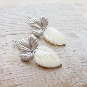 Mother of Pearl Leaves Earrings