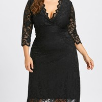 Plus Size Scalloped V Neck Lace Dress