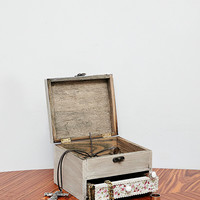 Wooden Jewellery Box with Daisy Fabric - Urban Outfitters