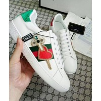 Gucci New Popular Women Men Embroidery An Arrow Through A Heart Pattern Sneakers Sport Shoes I13144-14