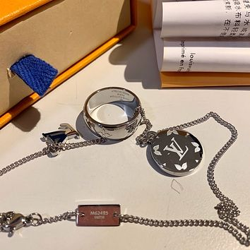 lv louis vuitton woman fashion accessories fine jewelry ring chain necklace earrings 81