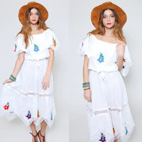 Vintage 70s MEXICAN Wedding Dress White Lace EMBROIDERED Floral Boho Dress Pin Tuck Hippie Dress