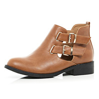 Tan cut out buckle side Chelsea boots - ankle boots - shoes / boots - women