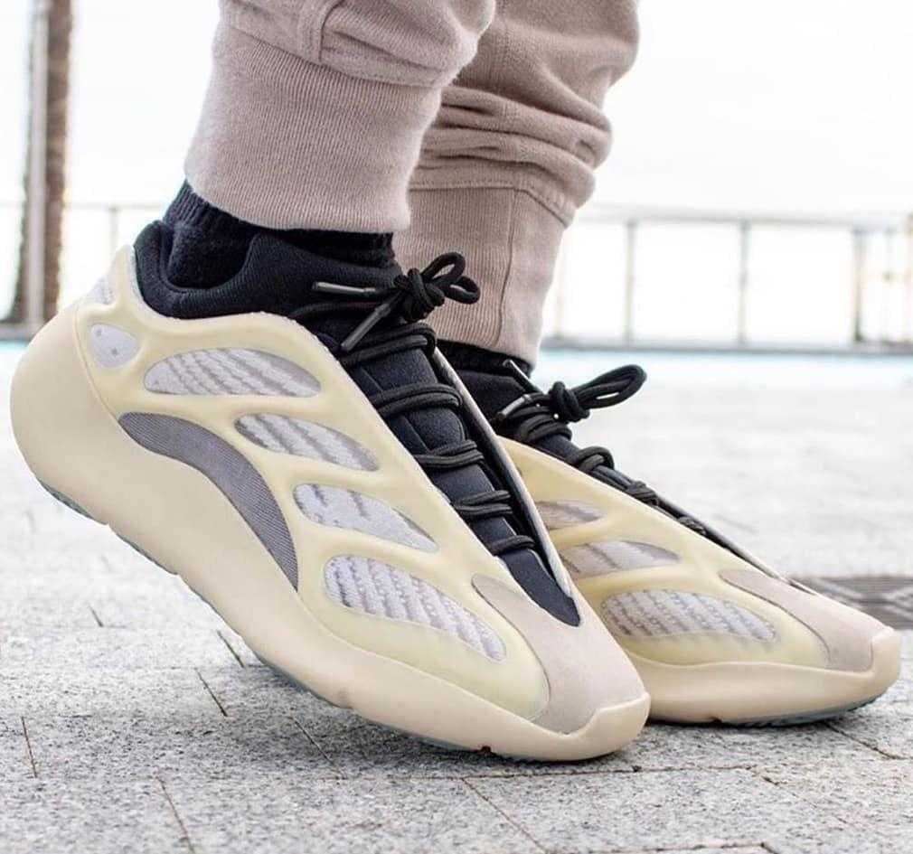 Image of Adidas Yeezy Boost 700 V3 Men and Women's Sneakers Shoes