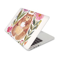 Bear and Honeybee Floral Pattern Skin for the Apple MacBook