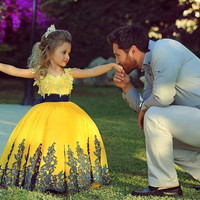 2015 Cute Bright Yellow Ball Gown lace Appliques Flower Girl Dresses floor length toddler Girls Pageant Dress