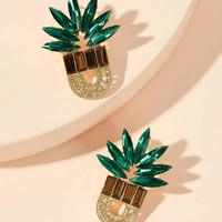 Rhinestone Engraved Pineapple Shaped Stud Earring 1pair