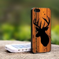 deer on wood - For iPhone 5 Black Case Cover