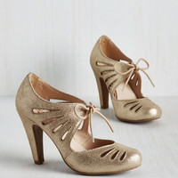 Vintage Inspired Brave Heel in Gold