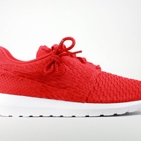 Nike Men's Roshe Run Flyknit NM University Red