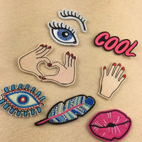 1pcs Mix Cartoon embroidered patches Iron on Patches applique clothing accessories Sew On Motif Badge Patch Stickers