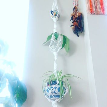 White Room Decor- Shabby Chic Decor- 3 plant Hanging Planter- Boho Wall Hanging- Living Room Decor- Home Decor- Mother's Day Gift- Boho Chic