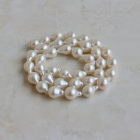 49% Off Sale Freshwater Pearl White Teardrop 10.5mm 18 beads 1/2 strand