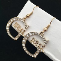 8DESS GUESS Women Fashion Diamonds Stud Earring Jewelry