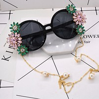 Fashion new flower diamond pearl chain retro sunglasses personality women glasses Black