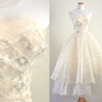Vintage 1950s Wedding Dress Prom Dress Cupcake Party Dress Ivory Lace and Tulle Strapless