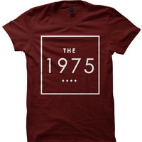 THE 1975 BAND T-SHIRT 1975 BAND CONCERT TICKETS CELEBRITY SHIRTS 1975 BAND MERCH 1975 LOGO COOL SHIRTS CHRISTMAS GIFTS BIRTHDAY GIFTS
