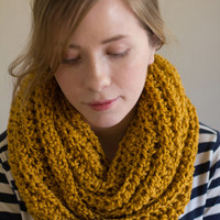 Sale Chunky Infinity Scarf in mustard, yellow infinity scarf , knit circle scarf, vegan,yellow , unisex, fall accessories