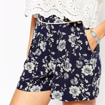 New Look Floral Printed Shorts