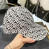 Burberry New fashion more letter print sun protection leisure cap hat