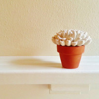 Flower Sculpture, Simple gift for Mom, Wedding Favors, Desk accessory