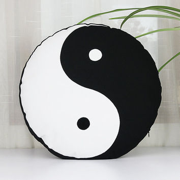 Yin yang Symbol pillow cases,Handmade applique decorative throw pillows,Tai Chi personalized cushion covers,home decor round pillowcases