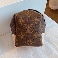 Louis Vuitton LV simple and versatile coin purse clutch bag