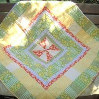 Sunny yellow table topper