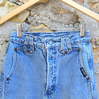High-waisted Rocky Mountain Hot Mom Jeans - Size 25