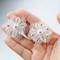 Sparkly white lace delicate flower vintage clip on earrings