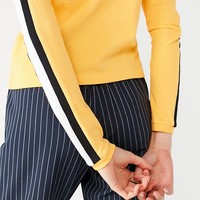 UO Tipped Sleeve Striped Sweatshirt | Urban Outfitters